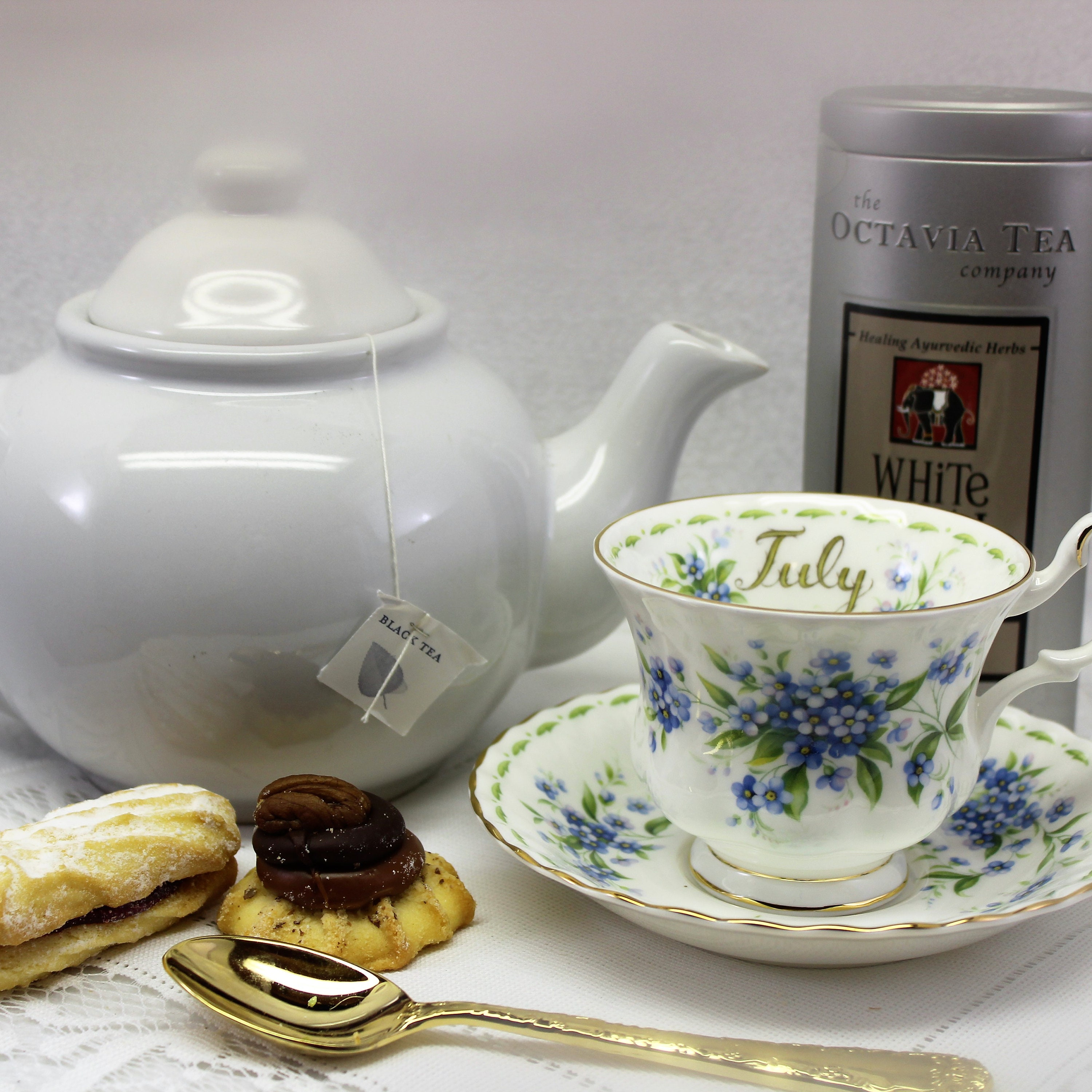 Royal Albert collectible tea cup Flower of the Month July