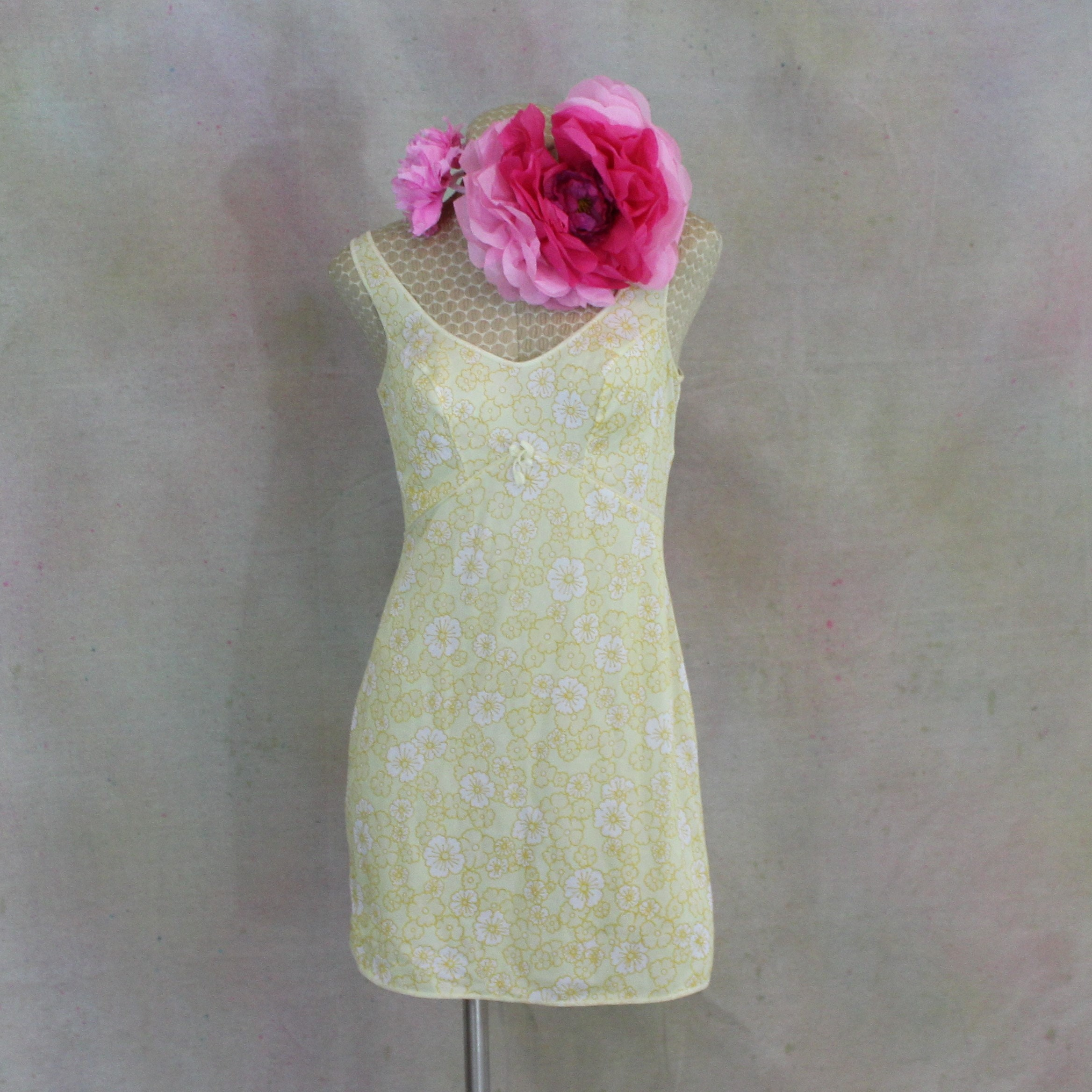 Vintage Nightgown In Pale Yellow Floral Print Size S.