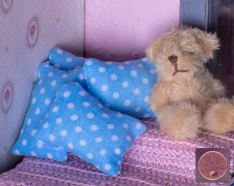 Miniature Pillow (Blue & White Dot) -- Dollhouse Miniature 1:12 Scale