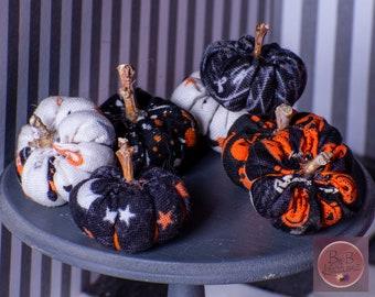 Miniature Cloth Pumpkins (Halloween Patterns Cartoony) -- Dollhouse Miniatures 1:12 Scale