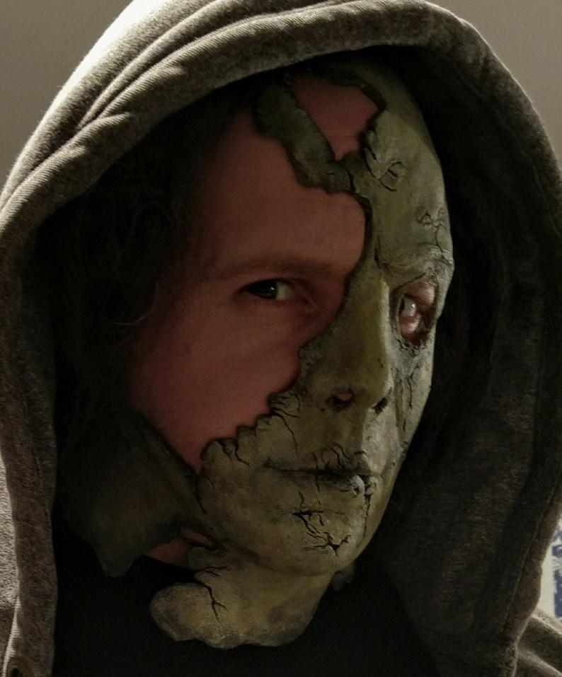 Halloween 2 Rob Zombie Mask.The Giant 2 Halloween 2 Michael Myers