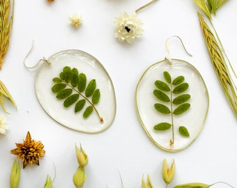 Botanical jewelry Eco friendly clear oval plant earrings Pressed real plant Dried herb leaf Botanical Floral Forest Made from resin