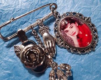 handmade jewelry reiki infused Audrey Hepburn necklace wire wrapped