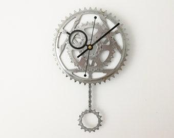 Bicycle gear clock, pendulum bike clock, steampunk clock, clock art, gift for him, large wall clock, pendulum clock, bike clock