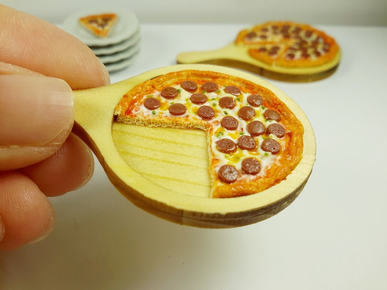 Dollhouse Miniature 1:12 Scale Pepperoni Pizza with Slice out in a Pizza Box