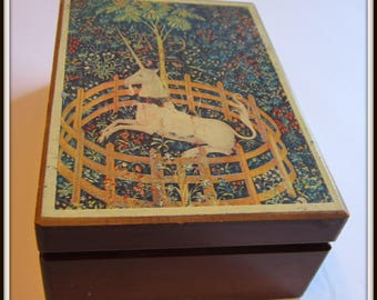 Schmid Japanese Wooden hand-painted musical box. Vintage.