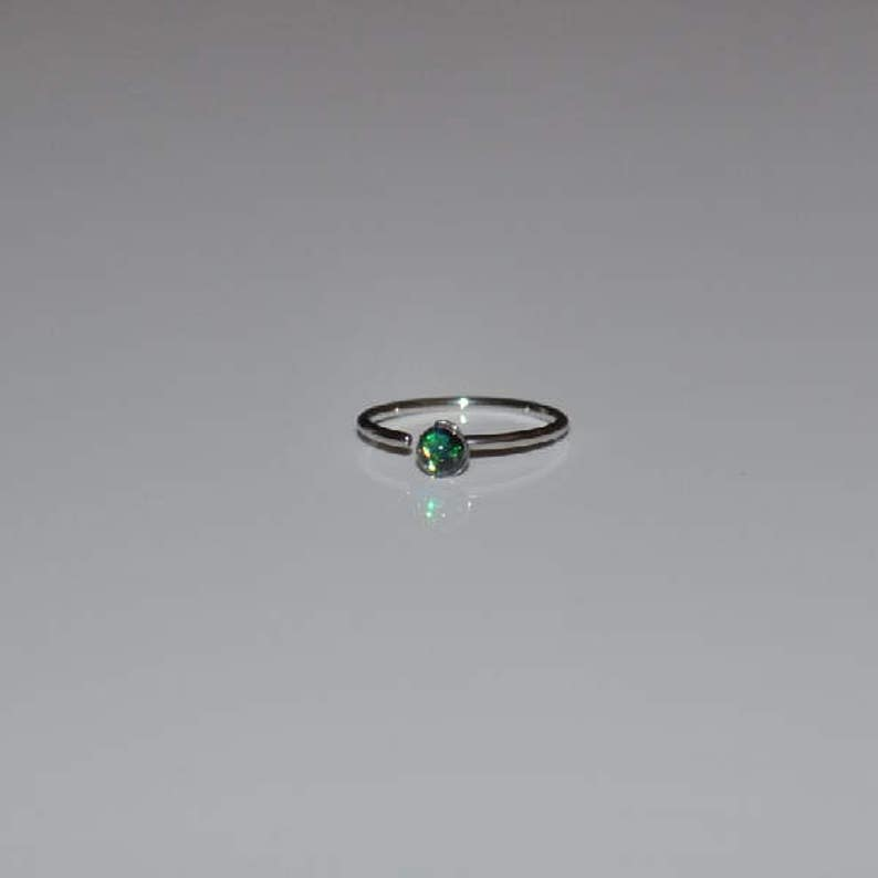 20g Green Simulated Opal Gem Round Bendable Nose Ring Hoop Body Piercing Jewelry