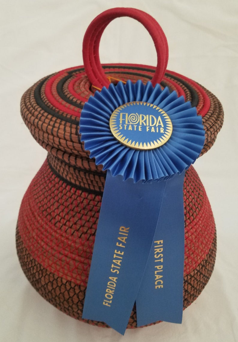 Pine Needle Basket  Large Native American  Made in FL  1st image 0