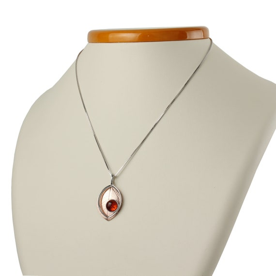 HolidayGiftShops Sterling Silver and Baltic Honey and Lemon Amber Pendant