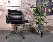 Soft Pad Chair EA 208 by Charles Ray Eames for Herman Miller Vitra Office Chair Visitor Chair Alu Chair Vintage Leather black nero used