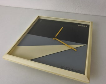 Minimalist Wall Clock by Philips