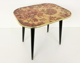 Arnold Designs Side Table