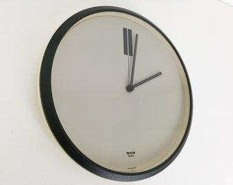 Minimalist Wall Clock by Philips