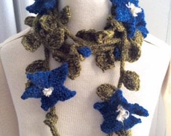 60% OFF Hand Knit Clematis Garland Scarf