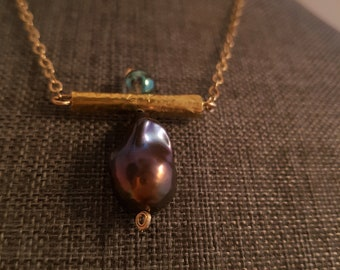 Magnificent, Lustruous, Genuine Barroque Pearl Pendant, Gold-Filled Chain Pendant, Emerald Aura Quartz Short Necklace
