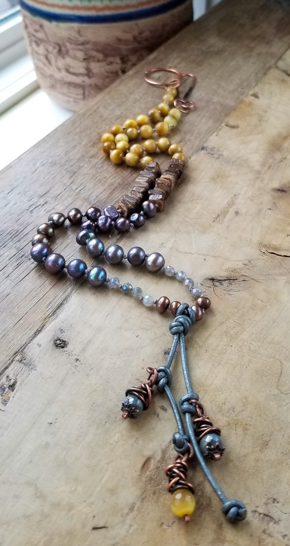 Mix and Mingle Gemstone Necklace / Exquisite Pearls and Labradorite Necklace / Handnkotted Exclusive Necklace