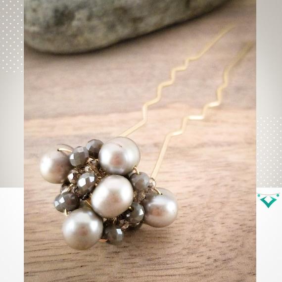 Absolute, Luxurious, Genuine Pearls Hair Fork/ Pure Metal Hair Bun Stick/ Top knot Elegant Hair Fork/ Excellent Hair Embellishment Design