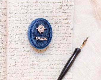 VELVET RING box WEDDING, wedding rings box, french ring box, vintage velvet ring box, engagement wedding ring box, vintage style, mrs. ring