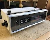 RESTORED - Vintage Panasonic Flip Clock Radio - White Alarm Clock Model RC-7021