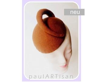 Unique / hat;  cocktail hats; Mini hat / caramel-brown / hand-woven / one size / 19 x 16 cm