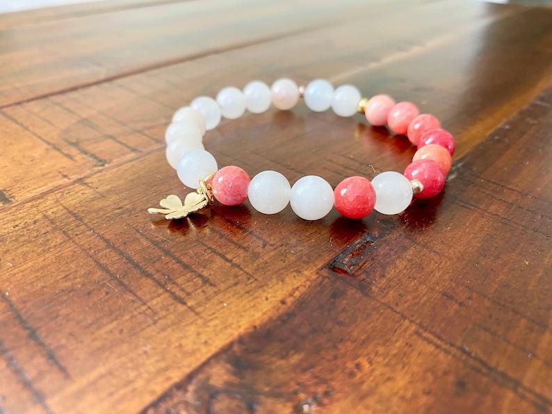 Dyes Quartz Bracelet Gold plated Four-leaf Clover Charm Healing Stone Bracelet Valentine/'s Day Gift Opal Peach Stretch Bracelet