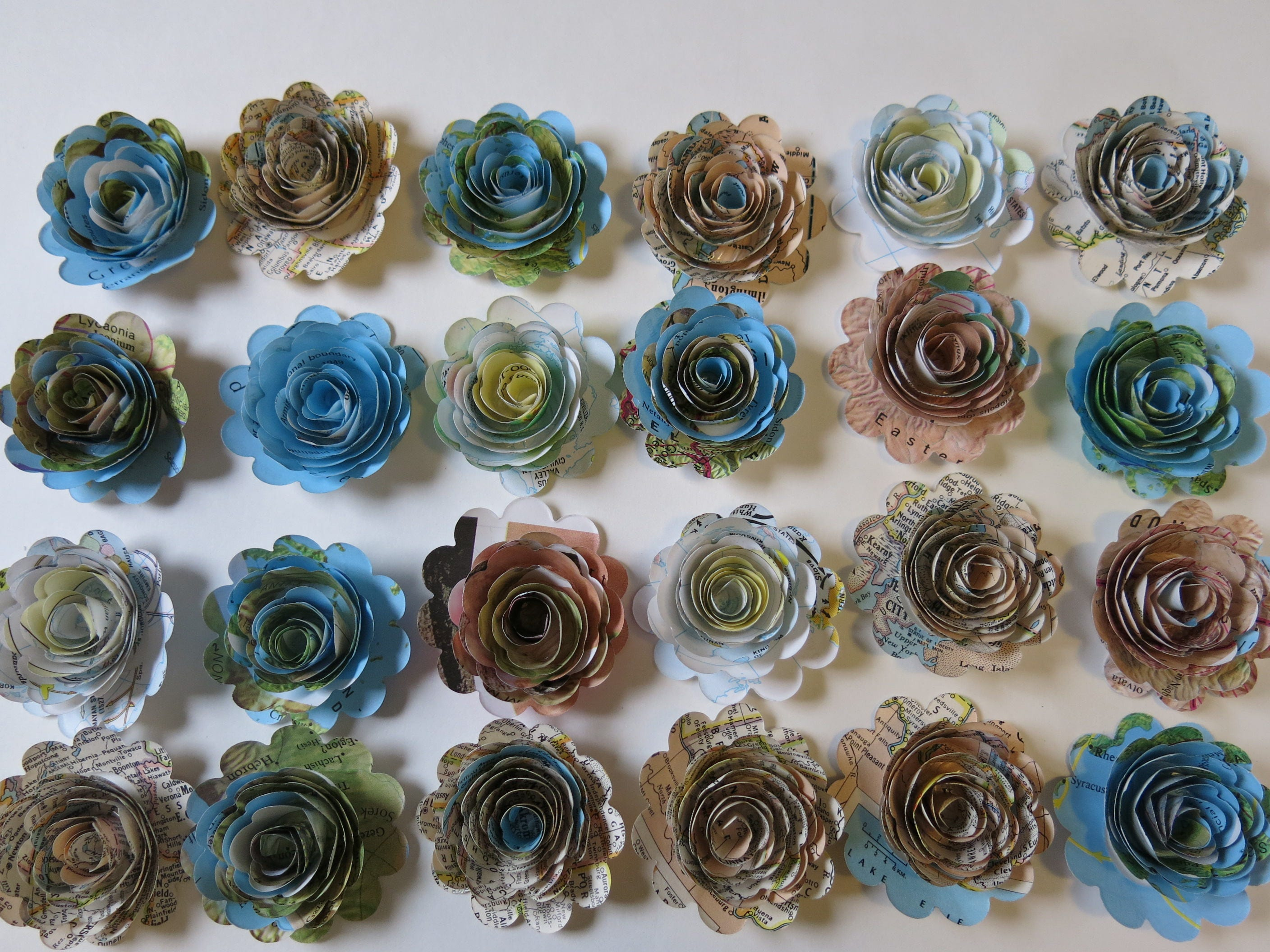 Scalloped Set 24 World Atlas Paper Flowers Loose 15 Etsy