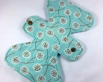 "Dandelion Fluff - 7"" inch - 2L - Reusable Cloth Pad"
