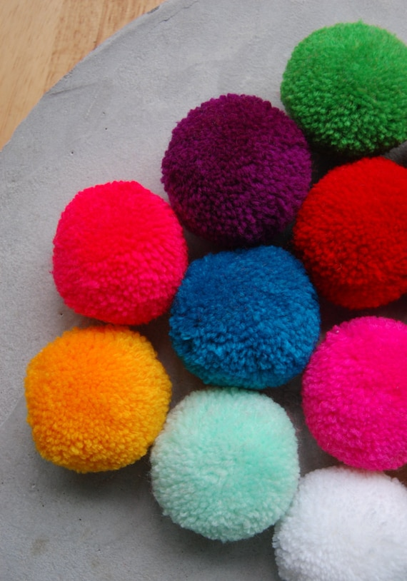 15 PCS x Large Round & Fluffy Pom Poms Handmade DIY Craft Supply (2