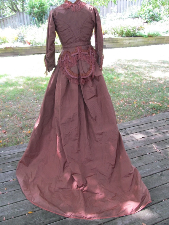 1860s SILK WALKING DRESS 2 pieces