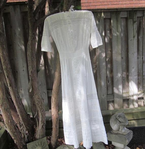 ca 1915 WHITEWORK DRESS with lots of lace. Edwardi