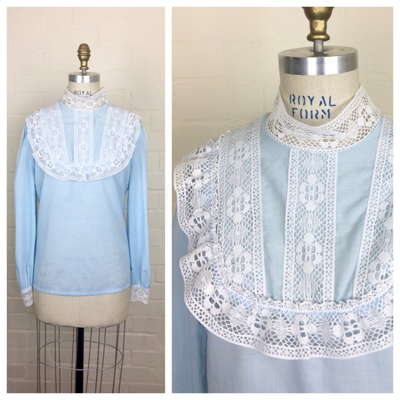 Vintage 80's does Victorian powder blue blouse -si