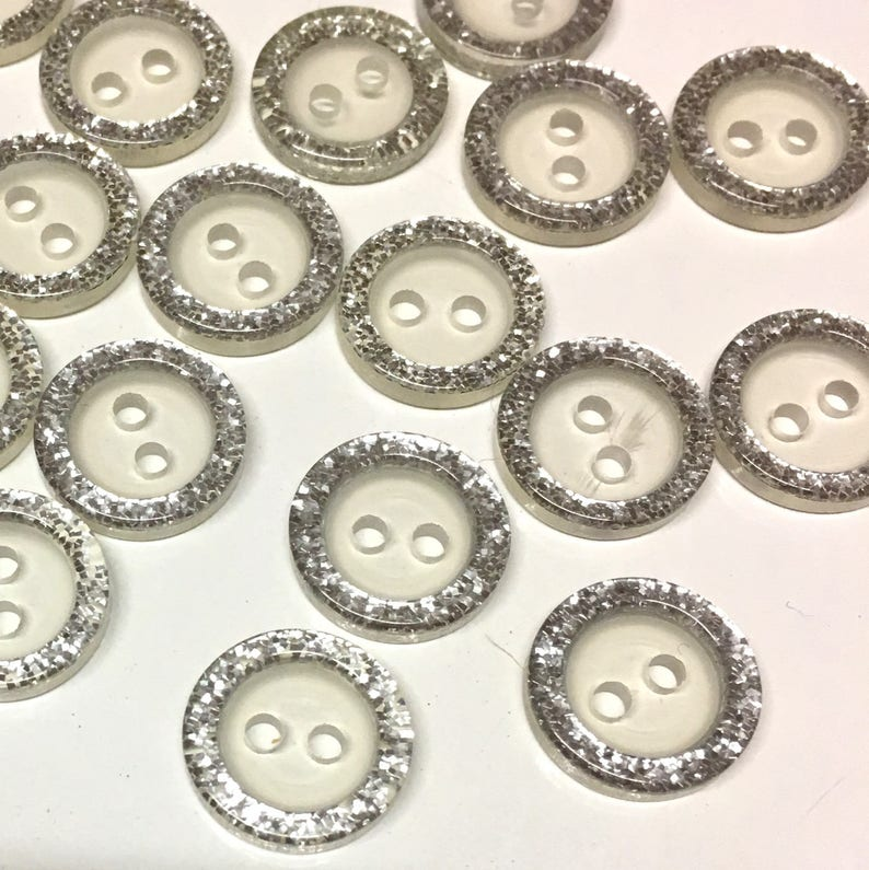 20 x light yellow transparent 13mm resin buttons with two holes