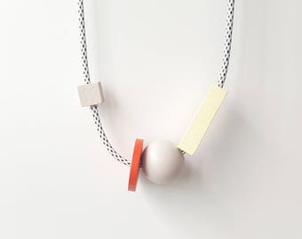 Contemporary Chic Wood Necklace