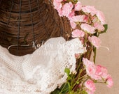 Roses Lace Girl hanging D...