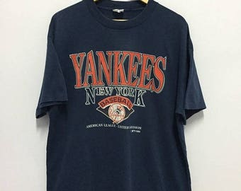 SALE 25% Vintage 90 Yankees New York Baseball Tshirt America League