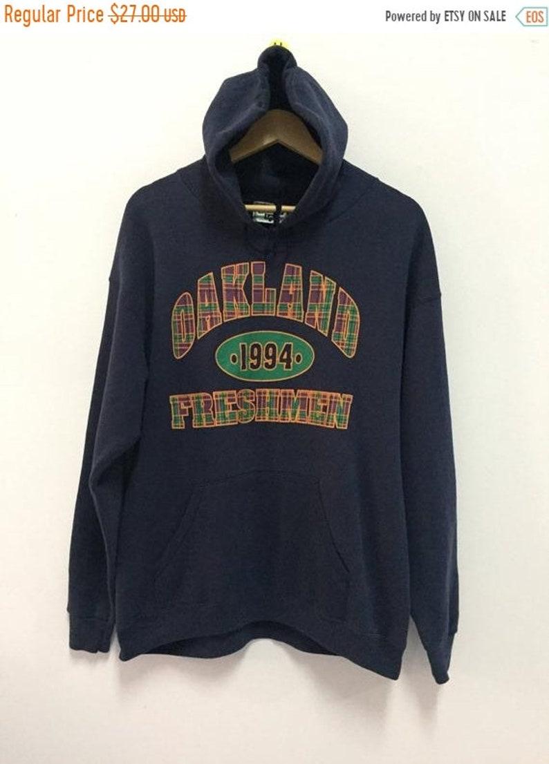 SALE 30/% Vintage 90s Oakland Freshman Hoodie Size L