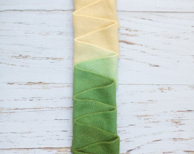 Hand dyed sock yarn with gradient, Gradient Handdyed SockYarn, Fingering Yarn, Knitted wool 100g 3.5 oz vanilla cream green