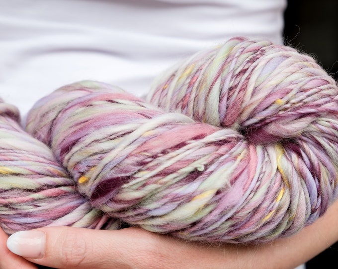 Art Yarn / Wool Handspun / Effect Yarn / Merino Wool / Slub thick and thin