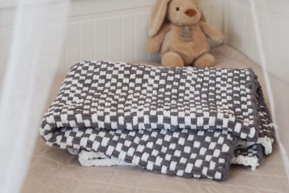 Hand-woven baby blanket grey white woven baby blanked 80 x 120 cm