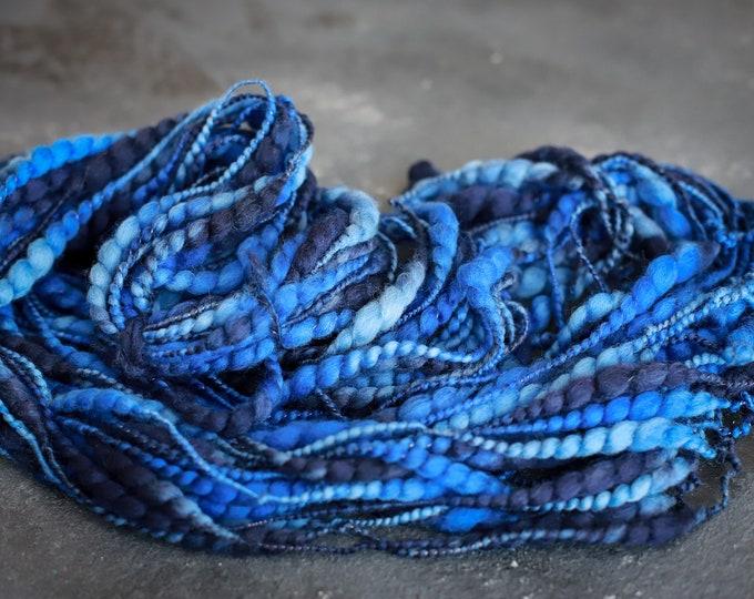 Art Yarn, Thick and thin Yartn Handspun Effect Yarn Merino Wool Slub Yarn / Felt Wool, Wool for weaving blue