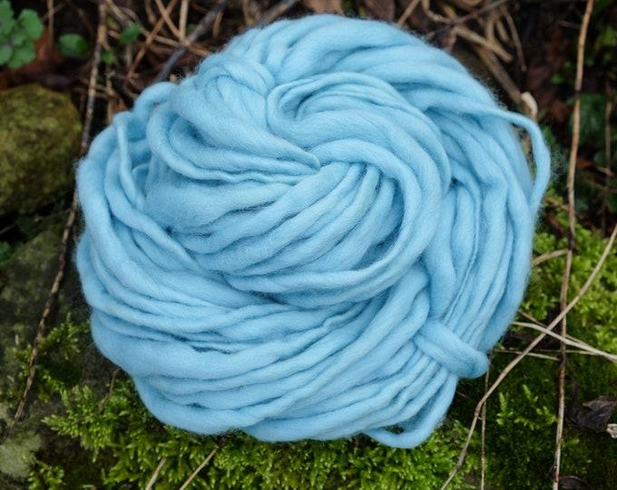 Art chunky Yarn, thick and this yarn, blanket yarn, hand spun merino wool, spun spun effect yarn, wool, slub, thick and thin, light blue