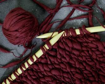Art chunky Yarn, thick and this yarn, blanket yarn, hand spun merino wool, spun spun effect yarn, wool, slub, thick and thin, wine red