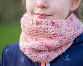 Strick Loop Schal für Mädchen ab 6 bis 13 Jahre / handgefärbt und handgestrickt
