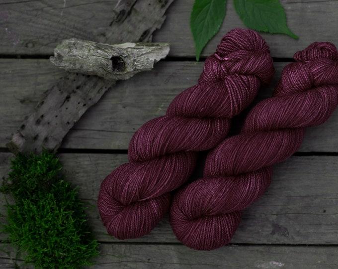 Merino Wolle handgefärbt, cranberry