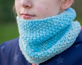 Knitted loop scarf for children from 3 to 7 years / hand-dyed and hand-knitted / Scarf cowl
