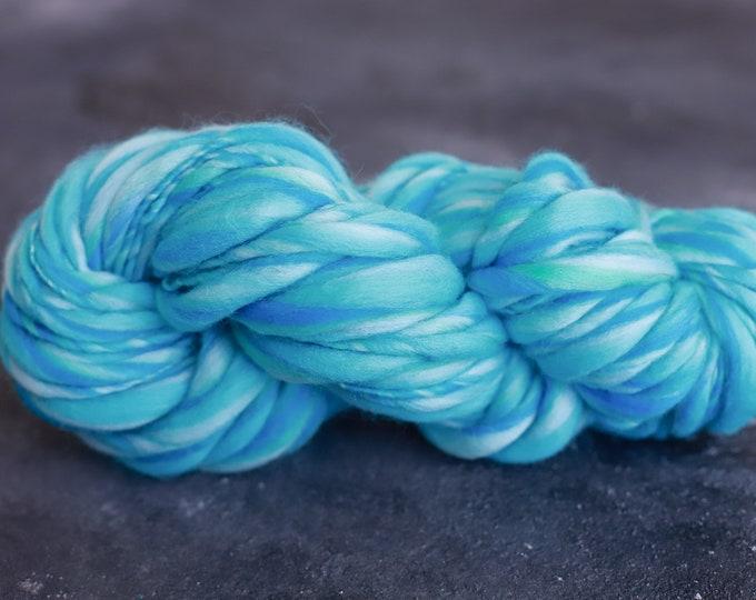 Art chunky Yarn, thick and this yarn, blanket yarn, hand spun merino wool, spun spun effect yarn, wool, slub, thick and thin, blue