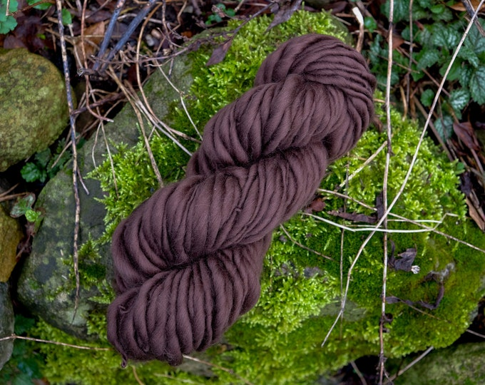 Art Yarn Merino Wool Hand Spun Effect Yarn / Slub Yarn / thick and thin brown / Wool for Weaving, Wool for Felting / wool for weaving