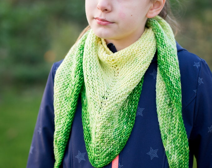 Knitting scarf, scarf for children from 1 to 10 years / hand dyed and hand knitted / Scarf cowl