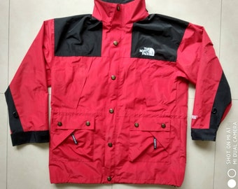c495438f36 Vtg The North Face Jacket   90s old school mountain rain Gore-Tex Gore tex  Retro Red Black Outdoor windbreaker vintage tommy hilfiger Size L