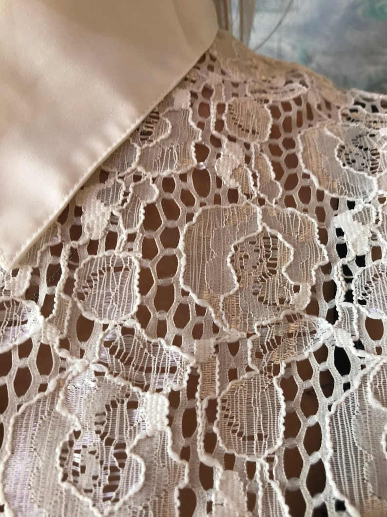 Vintage Ivory White Sheer Lace blouse Long Sleeve See Through Lace Blouse Top Vintage Lace Top Medium to Large Size